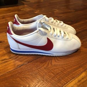 NIKE White & Red Cortez Basic Sneakers size 8, used but in good condition
